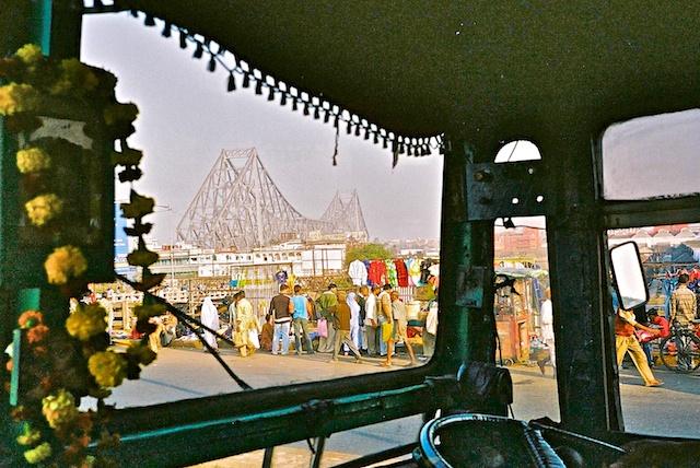 Le pont de Kolkata 00444