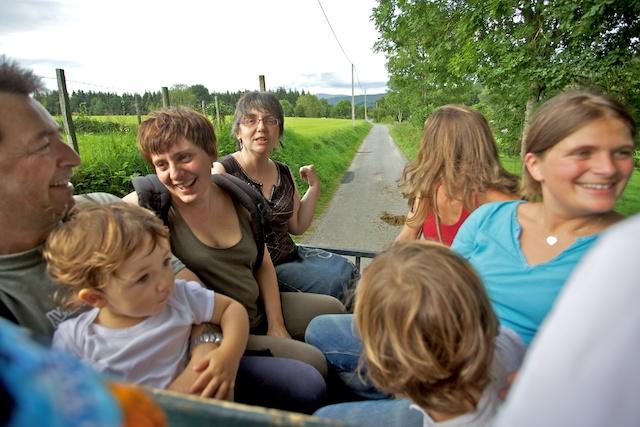 Marc, Sandrine, Isabelle en calèche...00368