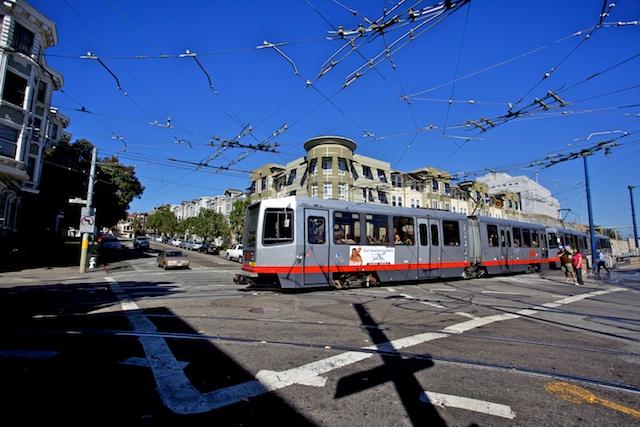 Le tram arrive