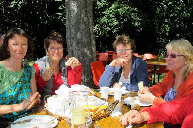 Mariette, Mireille, Monique et Nicole !