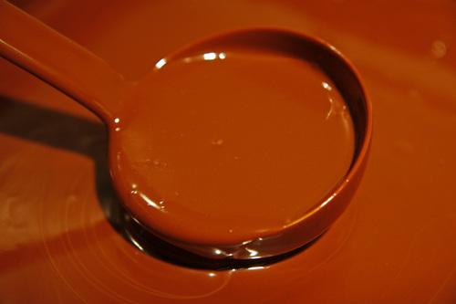 """Les chocolats au miel """" nid d'abeille""""."""
